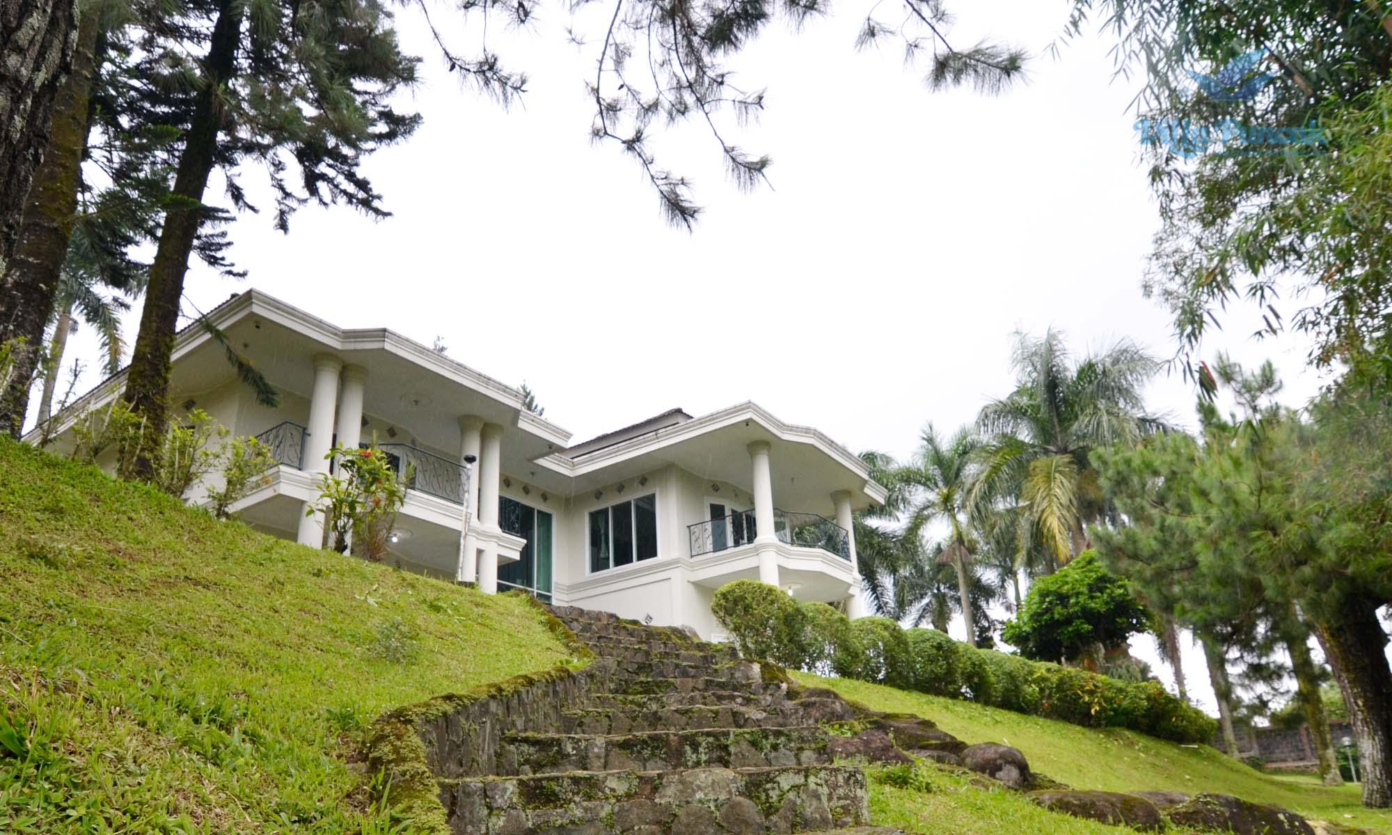 Villa Rumah Gunung: Villa View Bagus di Puncak Mewah ...