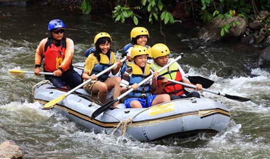 Wisata air Arung Jeram