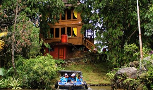 Salah satu villa di Taman Wisata Matahari
